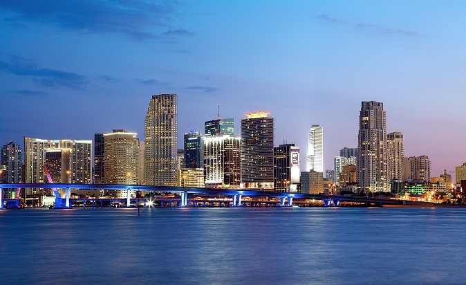 Downtown-Miami-Skyline-Night-landscape-LS (1)